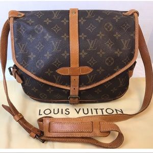 CERTIFIED AUTH. Louis Vuitton Monogram Saumur 30